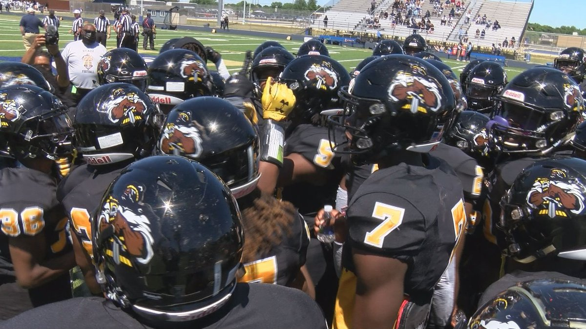 Highland Springs prepares for the state championship game on May 1, 2021. The Springers would...