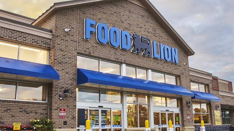 Front of Food Lion store