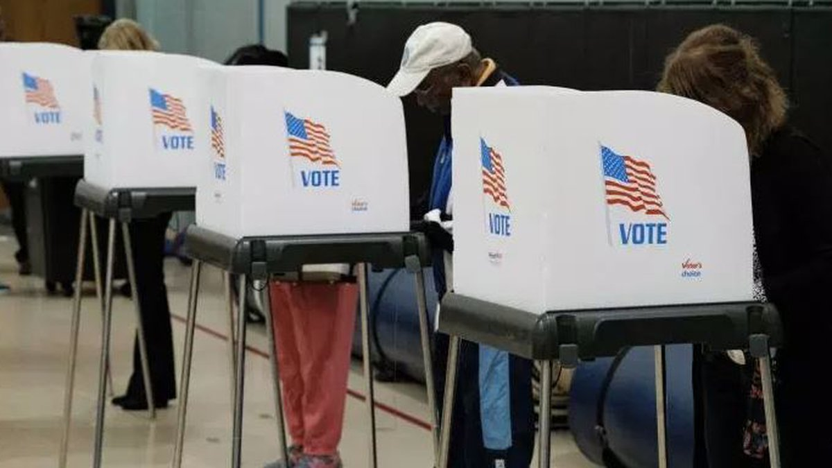 Voters in Short Pump precinct cast their ballots. The area saw a surge in Democratic voters...