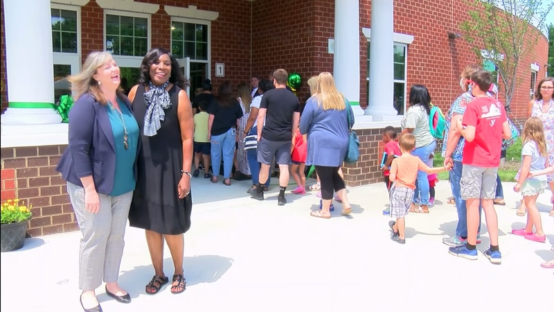 Elementary School welcomes families to new building