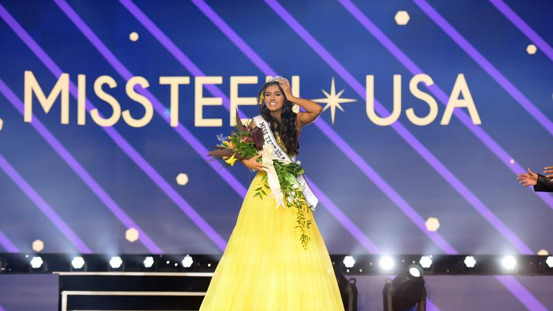 "Ki'ilani Arruda, Miss Hawaii, winner of Miss Teen USA 2020, wearing the ""Power of Hope"" Crown,..."
