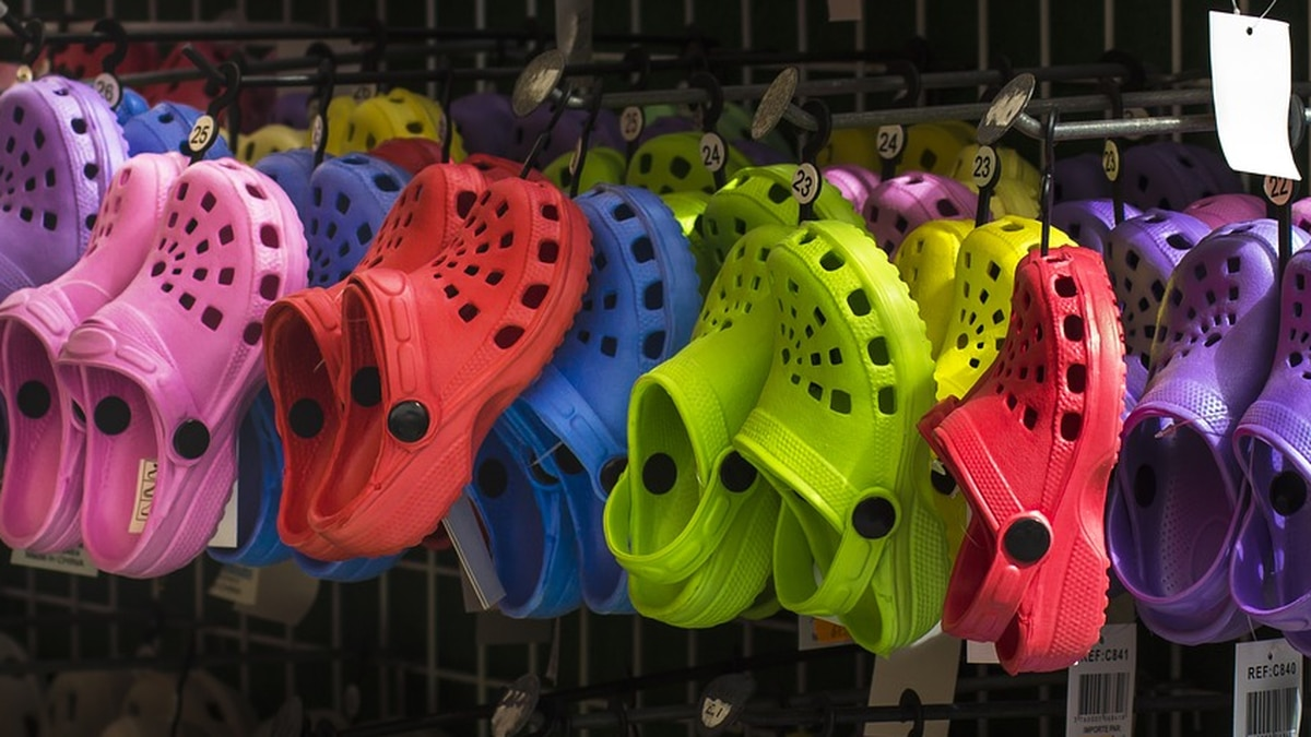 Crocs has a daily free pair limit. The company asks that you check back in tomorrow at 12 p.m.