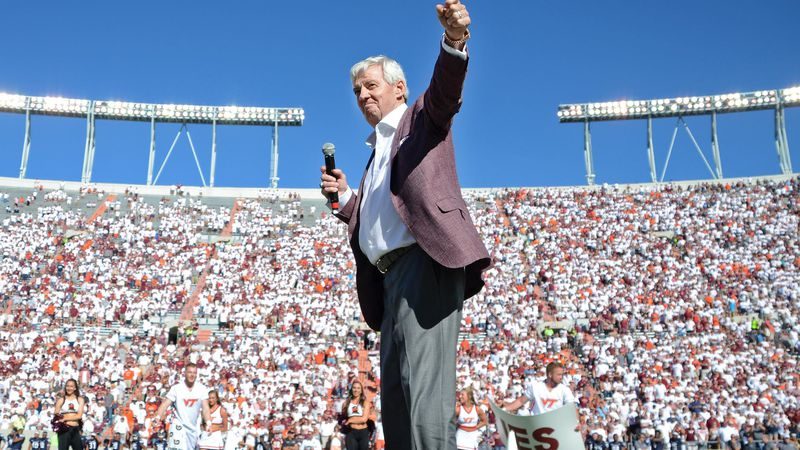 A statue of Frank Beamer will be unveiled before Saturday's game against Notre Dame.