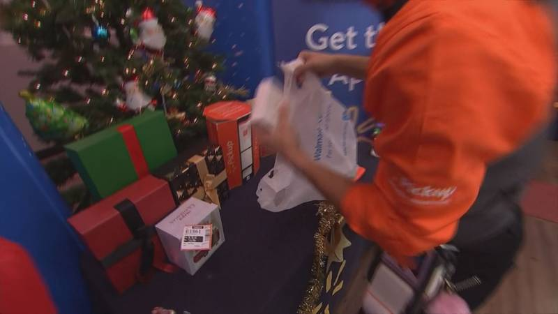 Stores, shippers are set to hire thousands for holiday season.