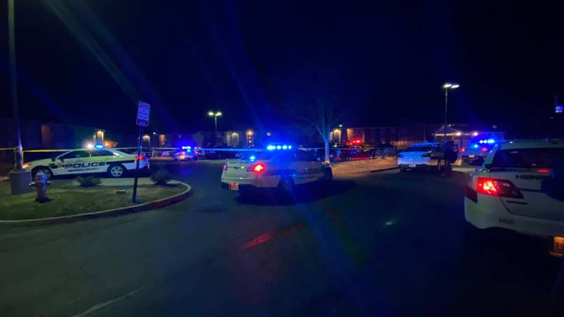 Police investigating a shooting at a Henrico apartment complex.