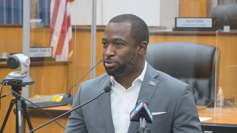 Mayor Stoney urges vaccinations ahead of return of Richmond Fall festivals