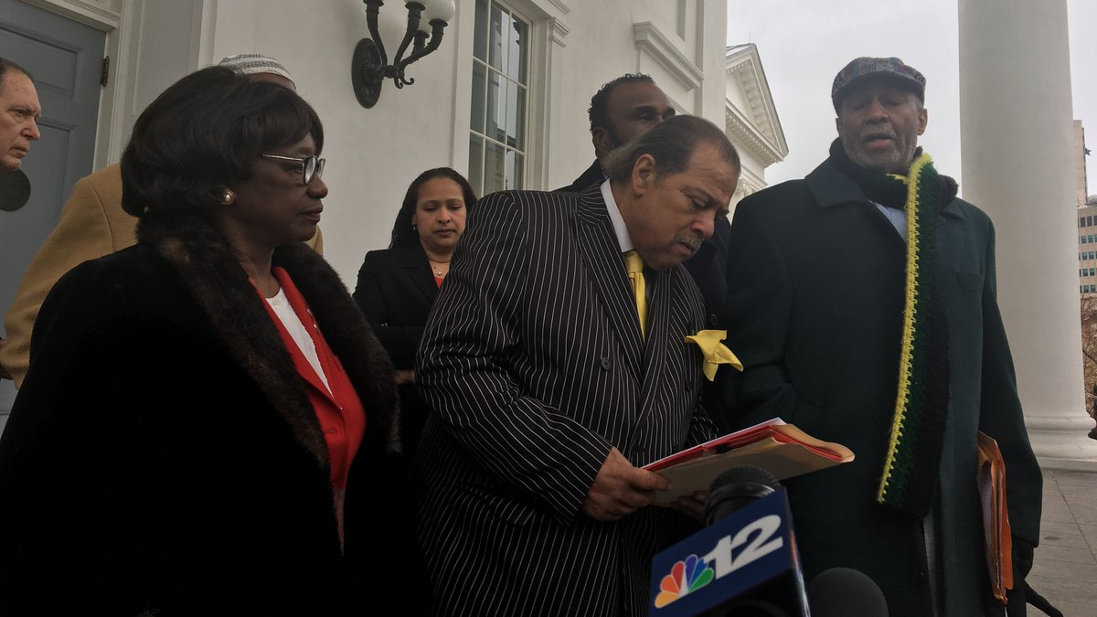 Clergy members are asking to stop the calls of resignation for the top leaders of the state....