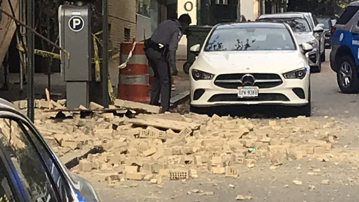 Officials say the area at 6th between Franklin and Main Streets should be avoided.